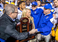 2015 Southland Conference Championship Trophy Photos